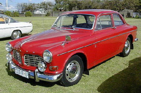 A_Volvo_67_Sedan_P120_Red_sf.jpg